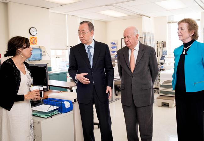 Ban Ki-moon, Ricardo Lagos and Mary Robinson visit the Zuckerberg San Fransisco General Hospital (Credit: The Elders/Barbara Ries)