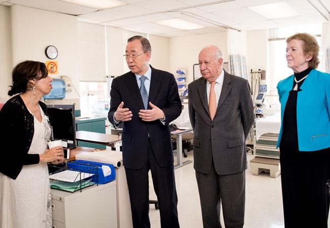 Ban Ki-moon, Ricardo Lagos and Mary Robinson visit a HIV Clinic at the Zuckerberg San Francisco General Hospital in September 2018.