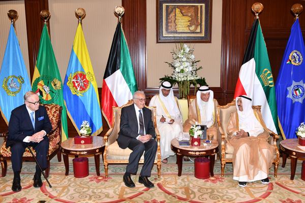 Martti Ahtisaari and Lakhdar Brahimi meet HRH Sheikh Sabah Al-Ahmad Al-Jaber Al-Sabah, the Emir of Kuwait during a visit to Kuwait in July 2018.