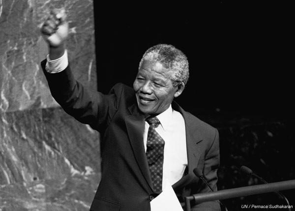 Blog de lenissa : LA CHANSON FRANCAISE, Nelson Mandela - Un hommage vivant -