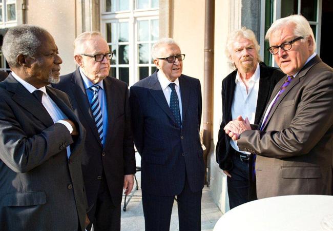 Kofi Annan, Martti Ahtisaari, Lakhdar Brahimi and Richard Branson meet with Foreign Minister Steinmeier in Berlin in 2016. (Credit: Michael Gottschalk / photothek.net)