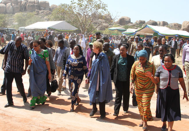 Graça Machel and Mary Robinson visit Mpamatwa Village, Tanzania in July 2017 (Credit: Ibrahim Joseph/The Elders