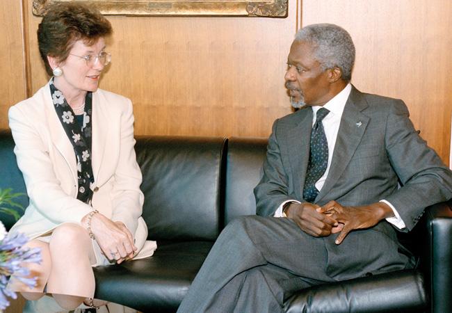 UN High Commissioner for Human Rights Mary Robinson meets UN Secretary General Kofi Annan in September 1999. (Credit: UN Photo/Sophia Paris)